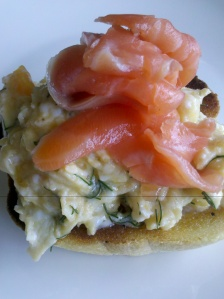 Dill scrambled eggs with gravlax