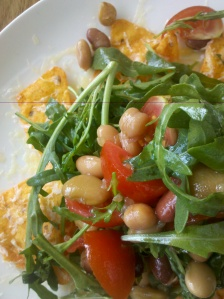 Cheesy corn chips with salad