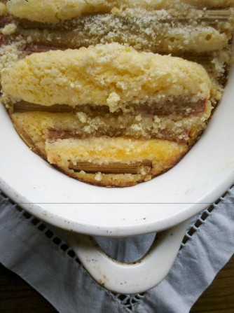 Orange and rhubarb pudding