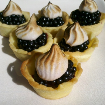 Blackberry tarts with cabernet meringue