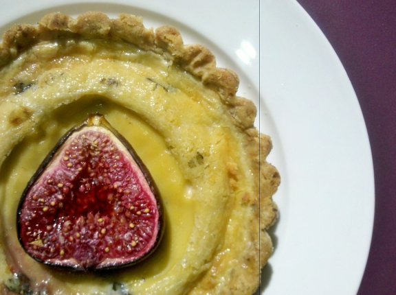Fig and blue cheese tart