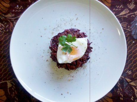 Beetroot patties with poached egg and zata'ar