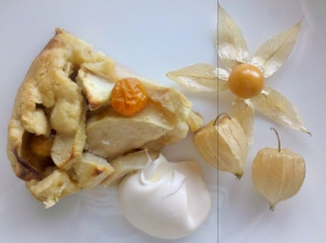 Apple and Cape Gooseberry pie with thick cream