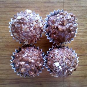 Homemade (Macadamia) Ferrero Rochers