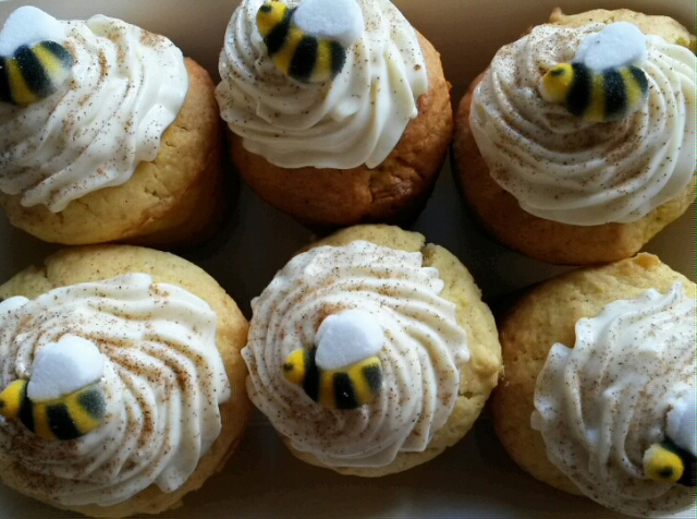 Apricot cupcakes with whipped honey ricotta frosting