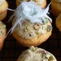 Orange and pistachio cupcakes