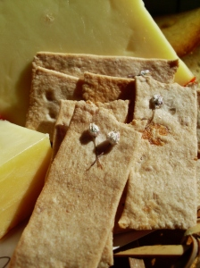 Roast garlic crackers